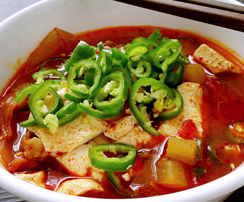 Kimchi Soondubu Jjigae (Soft Tofu Stew) – CHAR IN THE KITCHEN